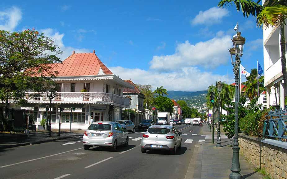 Straatbeeld van Rue de Paris op La Réunion