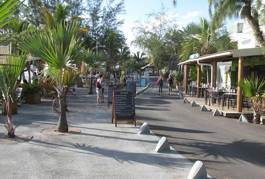 Terrassen en restaurants bij Plage de Boucan Canot