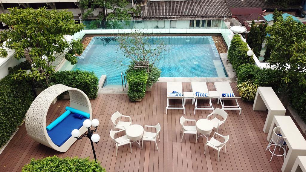 Zwembad van The Rose Residence in Bangkok