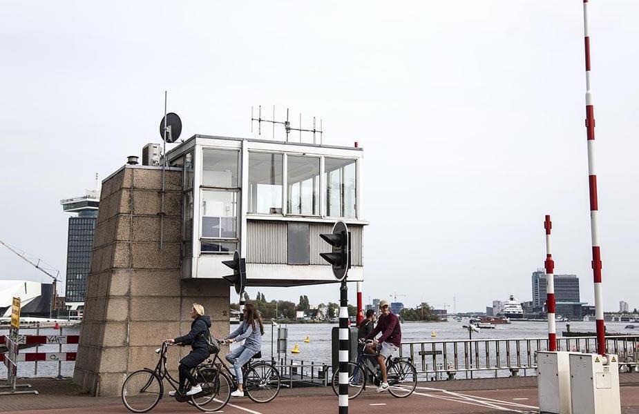 westerdoksbrug sweets amsterdam