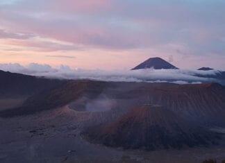Zicht op de Bromo vulkaan op Java in Indonesiië