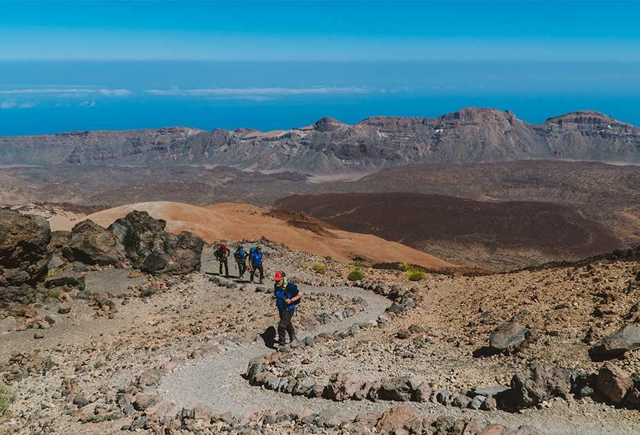 Landschap waar de zware hike route 040 op Tenerife door heen gaat