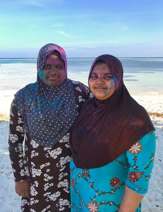 Vrouwen in lokale kleding op Maafushi