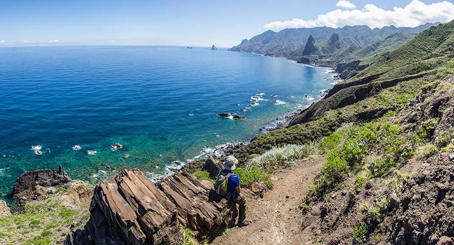 Uitzicht op zee en natuur bij Afur op Tenerife
