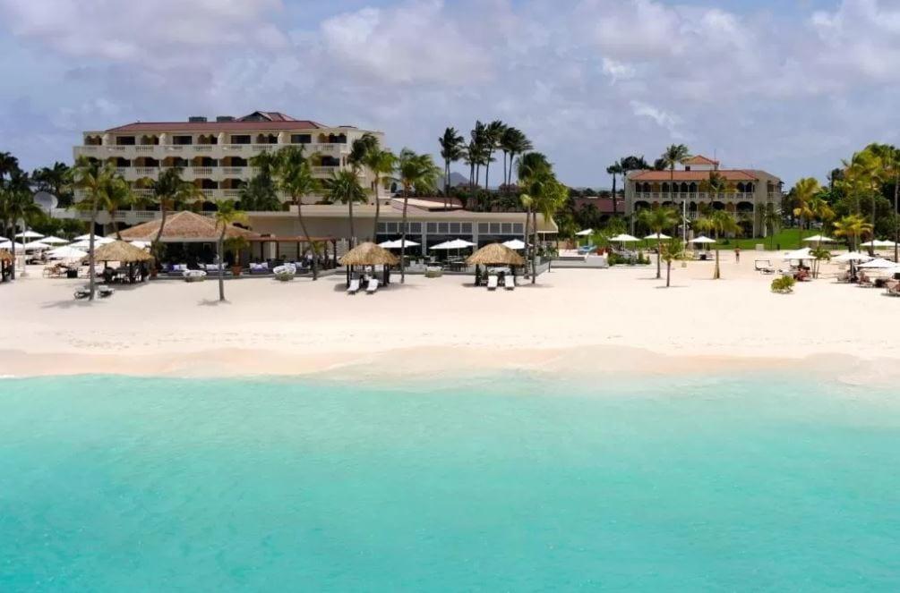 Strand voor hotel Bucuti Aruba