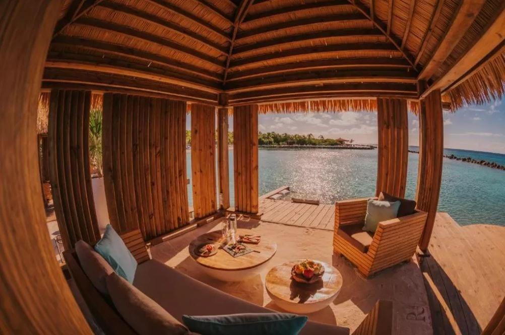 Beach hut bij de Renaissance Aruba