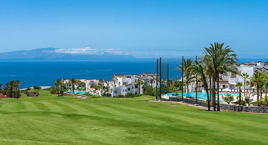 Golfbaan en de appartementen van Las Terrazas de Abama