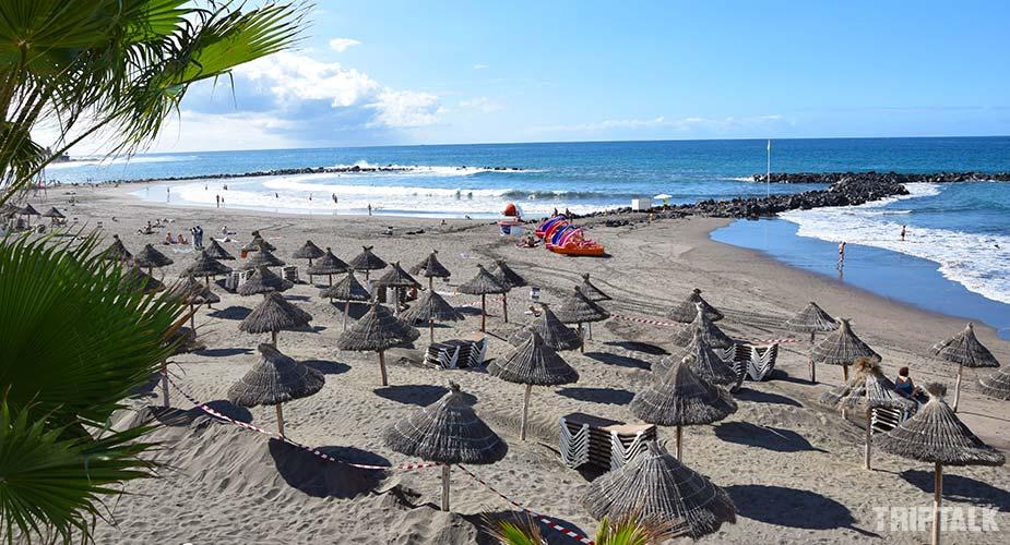 Het strand van Playa la Troya in Playa de las Americas