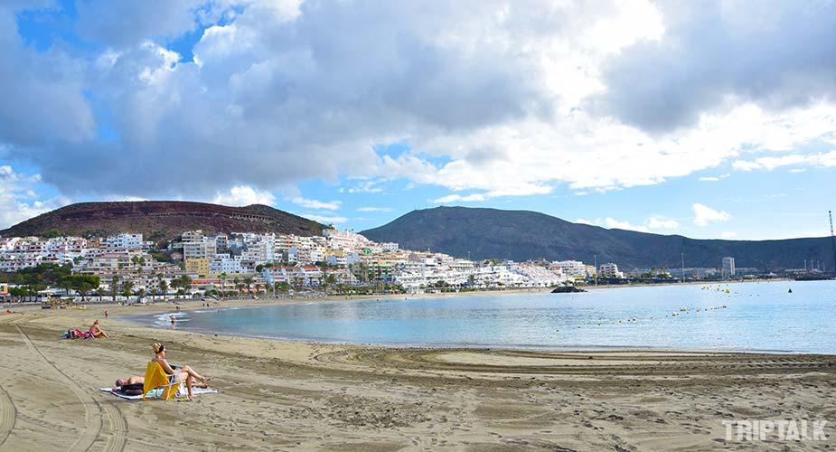Het mooie strand Playa de las Vistas in Playa de las Americas