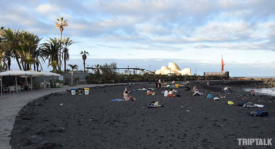 Het zwarte strand van Playa de Martianez