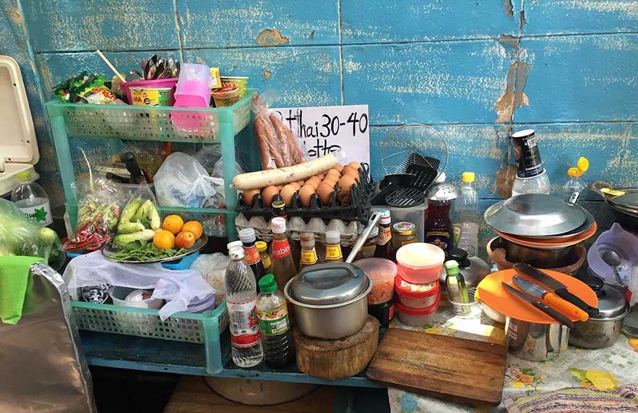 Keukentje op straat in Thailand