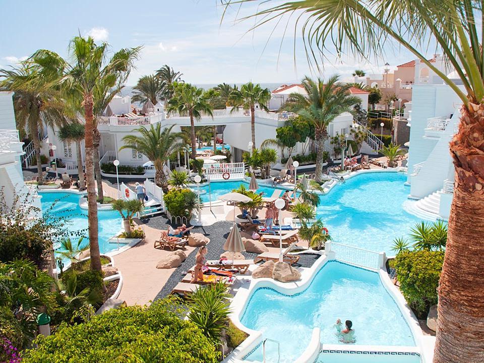 Zwembad en tuin van Lagos de Fanabe Tenerife