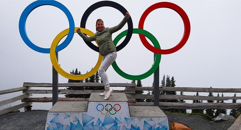 Pauline bij de olympische ringen