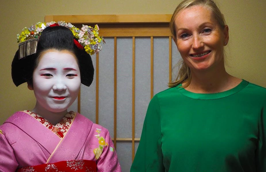 Sandra in Japan met een Geisha