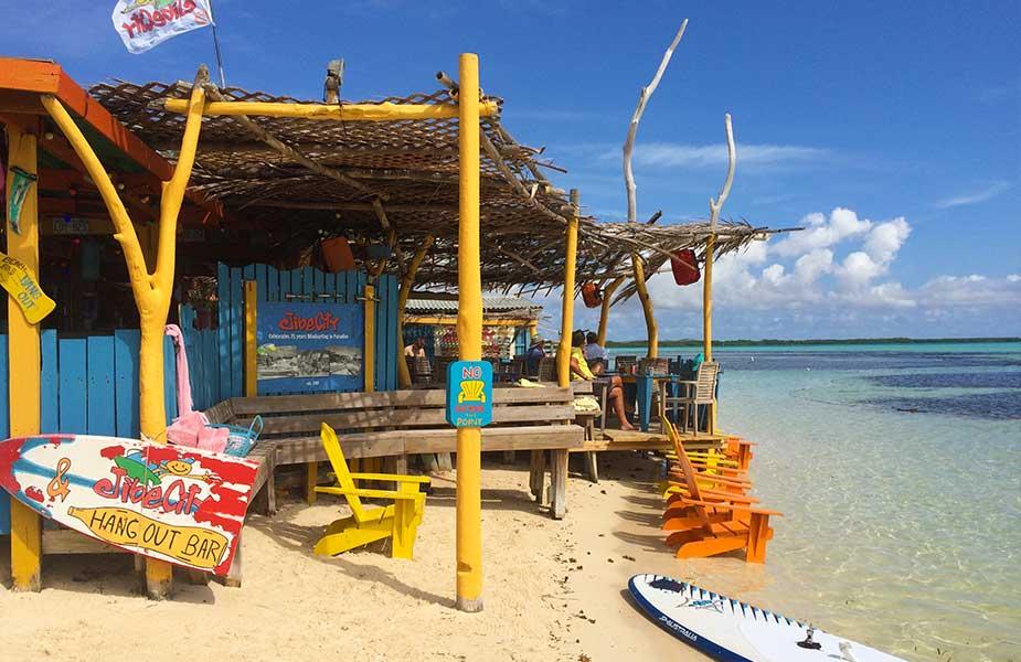 Beach club Hang Out Bar Bonaire