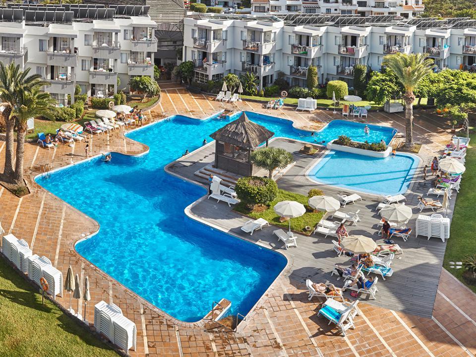 Zwembad van de appartementen Tenerife Sur