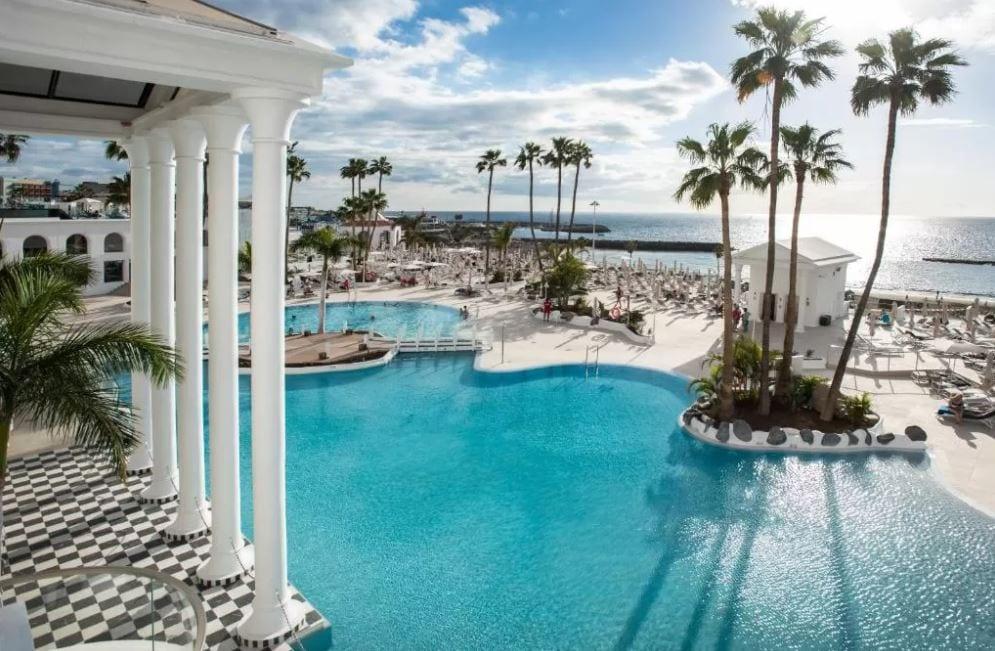 Tuin met zwembad van Guayarmina Princess Tenerife
