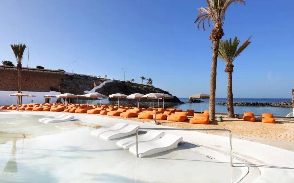 Beachclub van het Hardrock Hotel op Tenerife