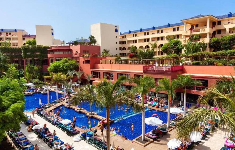 Zwembaden van hotel Jacaranda Tenerife