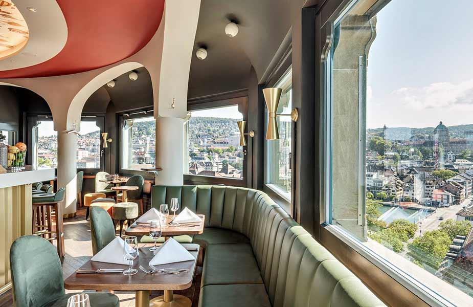 Het uitzicht vanuit de Jules Verne Panorama Bar in Zurich