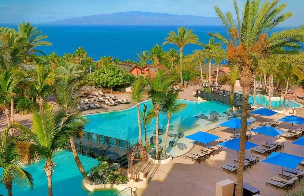 Zwembad van The Ritz Carlton op Tenerife