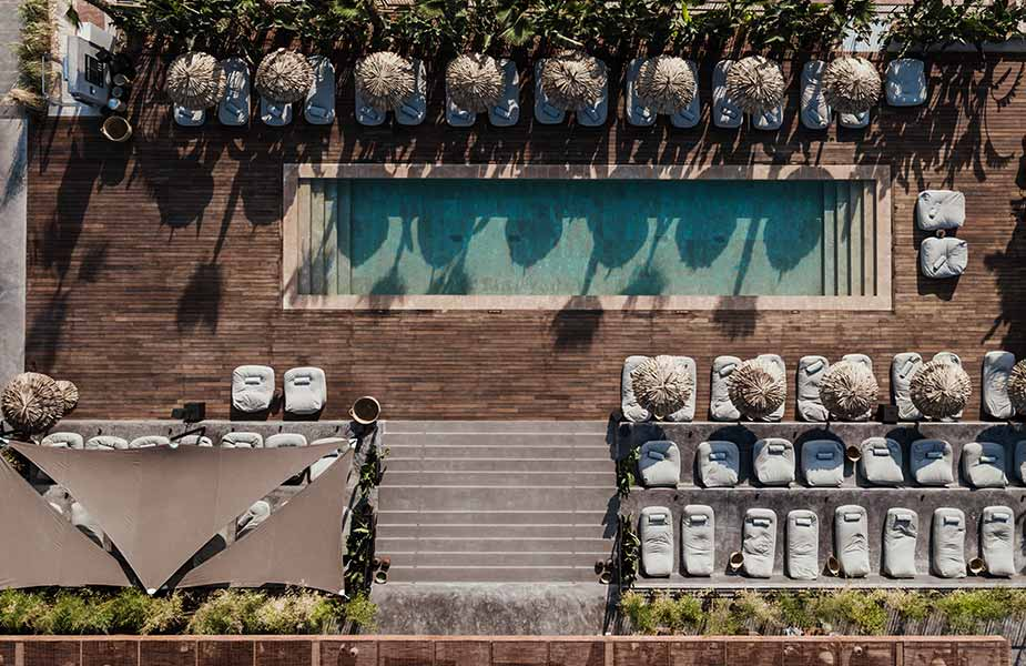 Zwembad area van Hotel OKU Ibiza