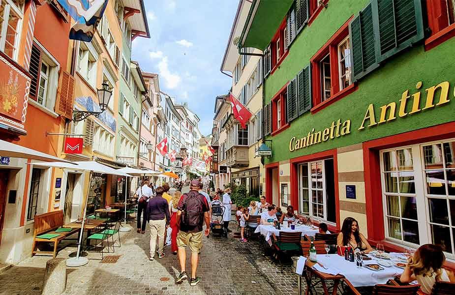Gezellige straat in Zurich