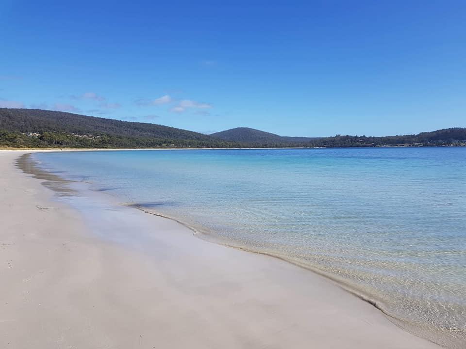 Strand bij White Beach Camp Site Tasmania