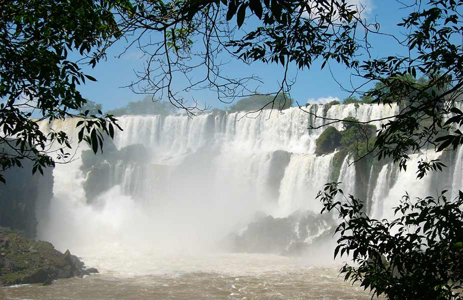 De Iguazu watervallen bij Argentie en Brazilie