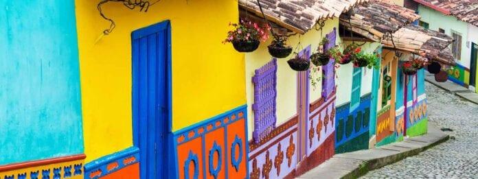 Kleurrijke straat in Bogota in Coolmbia