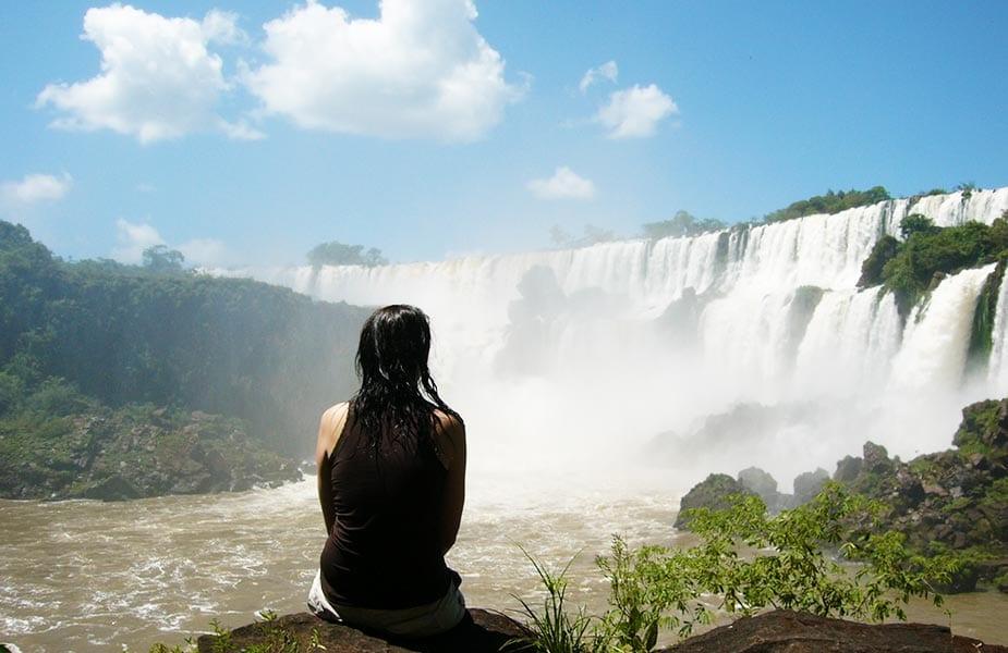 Sylvia bij de Iguazu watervallen in Argentinie
