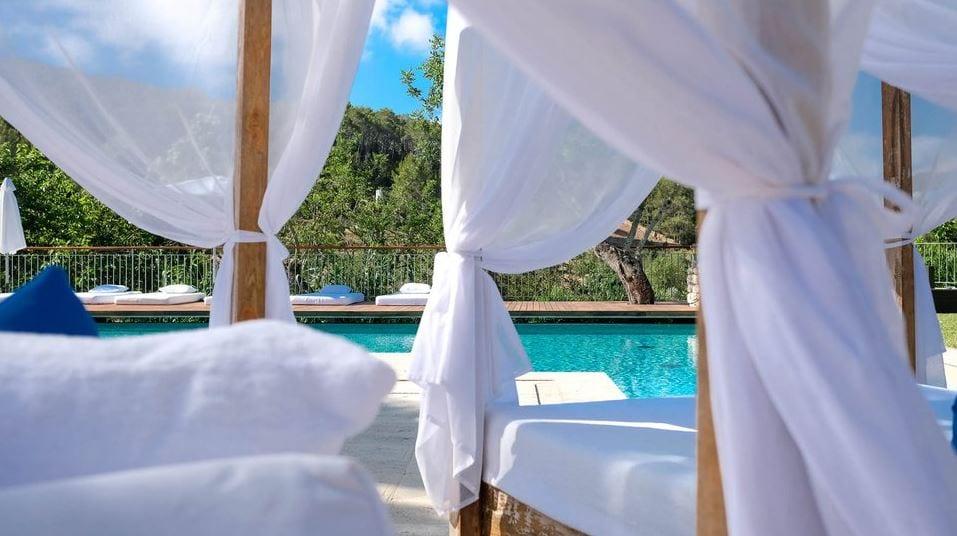 Balinese bedden bij Can Lluc Ibiza