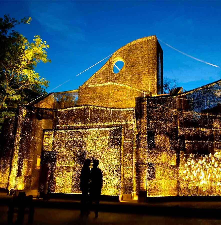 De verlichte kathedraal van doornen op Curacao