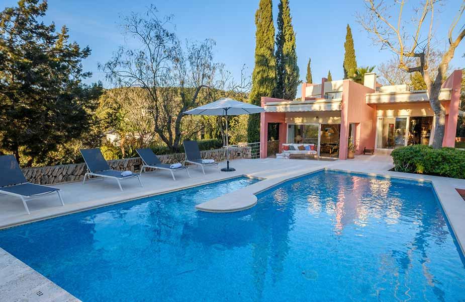 Zwembad van Villa Can Jaume bij Can Llux hotel