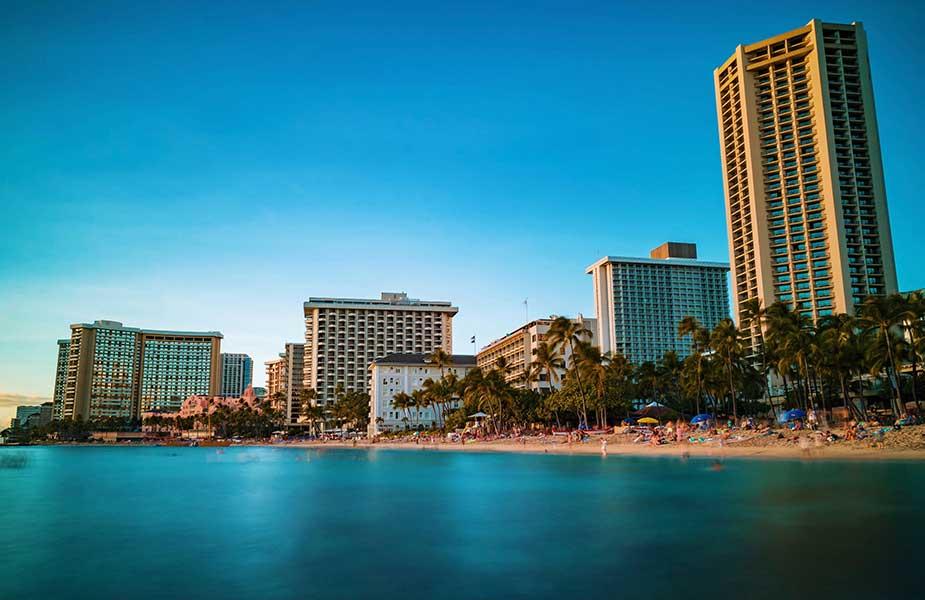 Het strand van Waikiki Beach