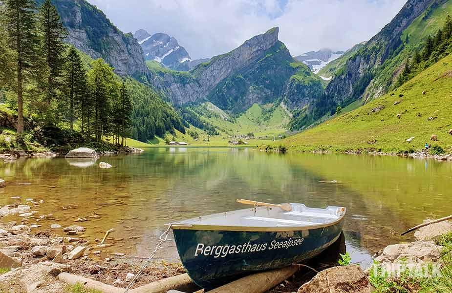 Het bootje op de Seealpsee