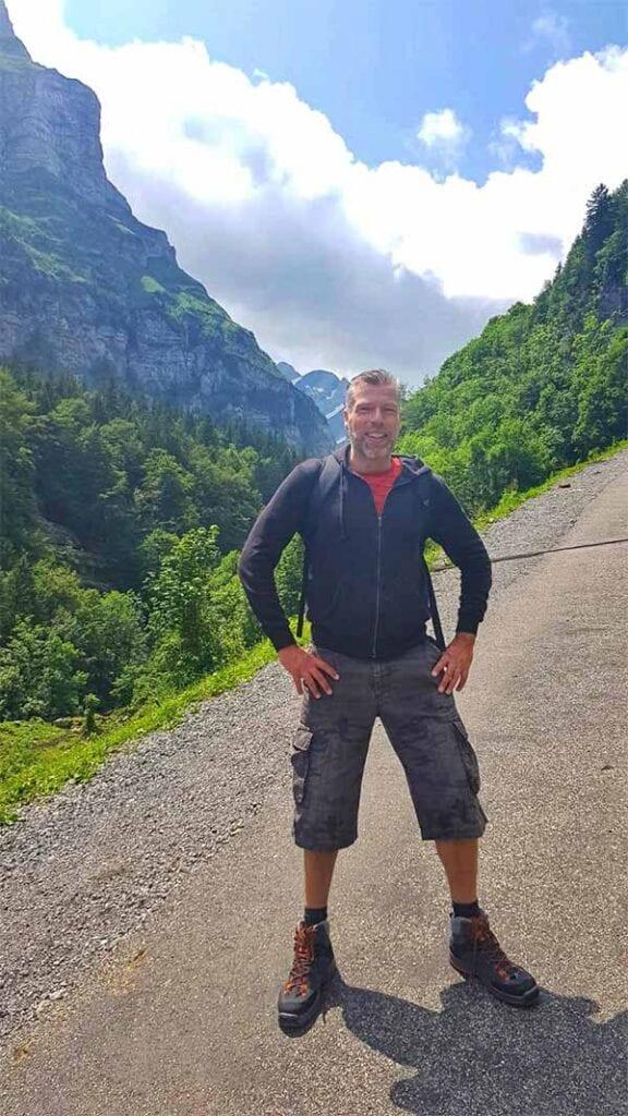 Jeroen bij de hike Seealpsee in Appenzell