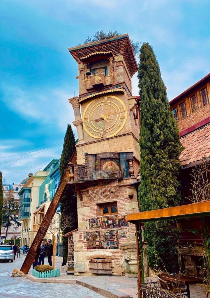 The Leaning Tower Tbilisi Georgie klokkentoren Mike Swigunski Unsplash