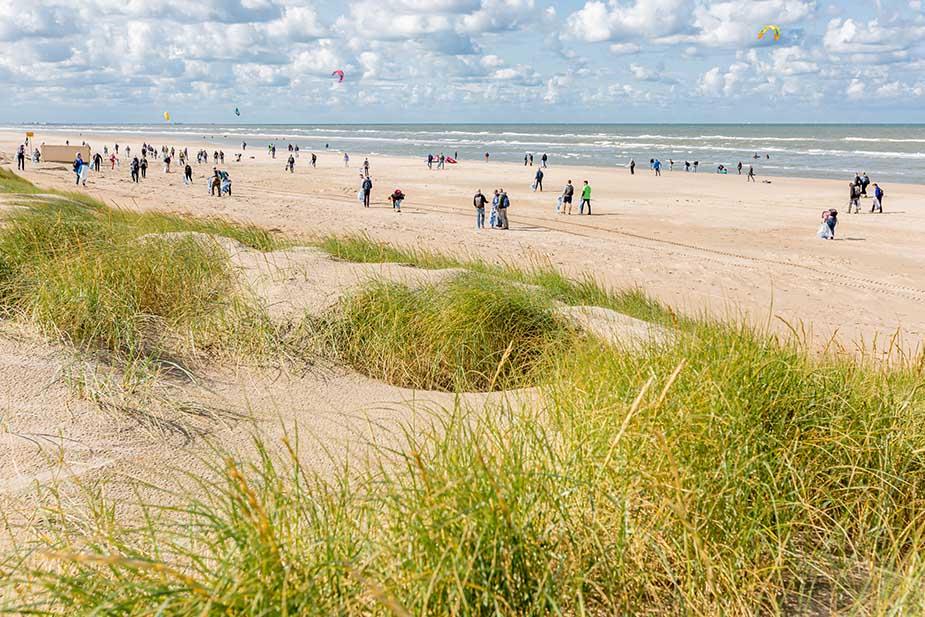 Boskalis Beach Cleanup Tour 2021