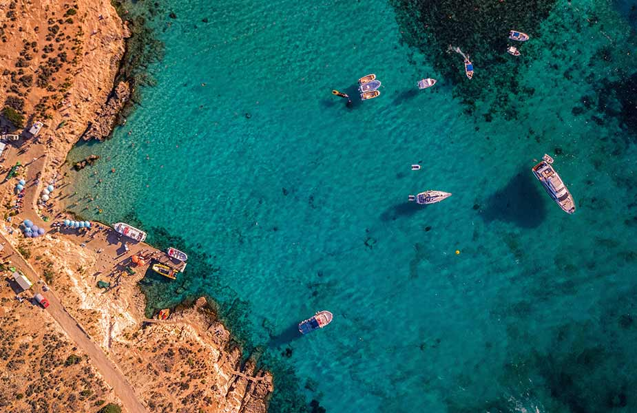 De Blue Lagoon bij Comino op Malta