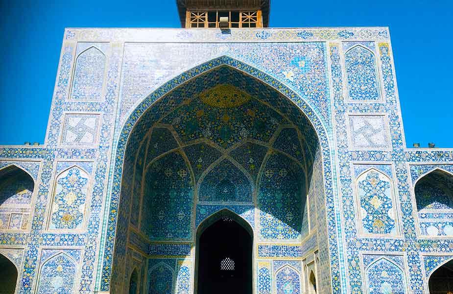 Blauwe stenen verwerkt in een moskee in Teheran