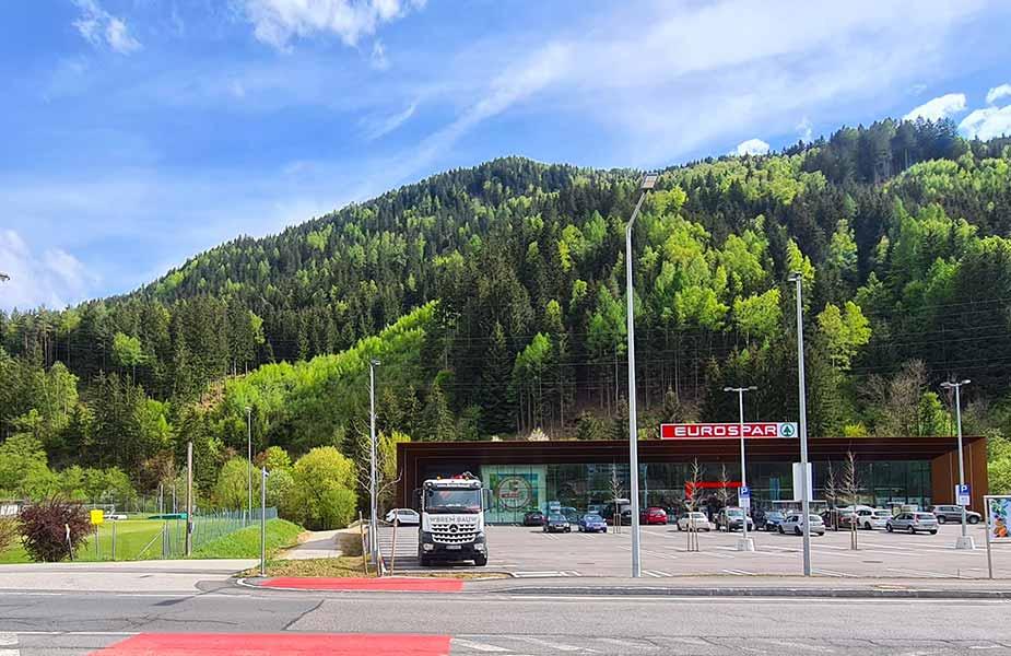 Spar supermarkt in Radenthein in Oostenrijk
