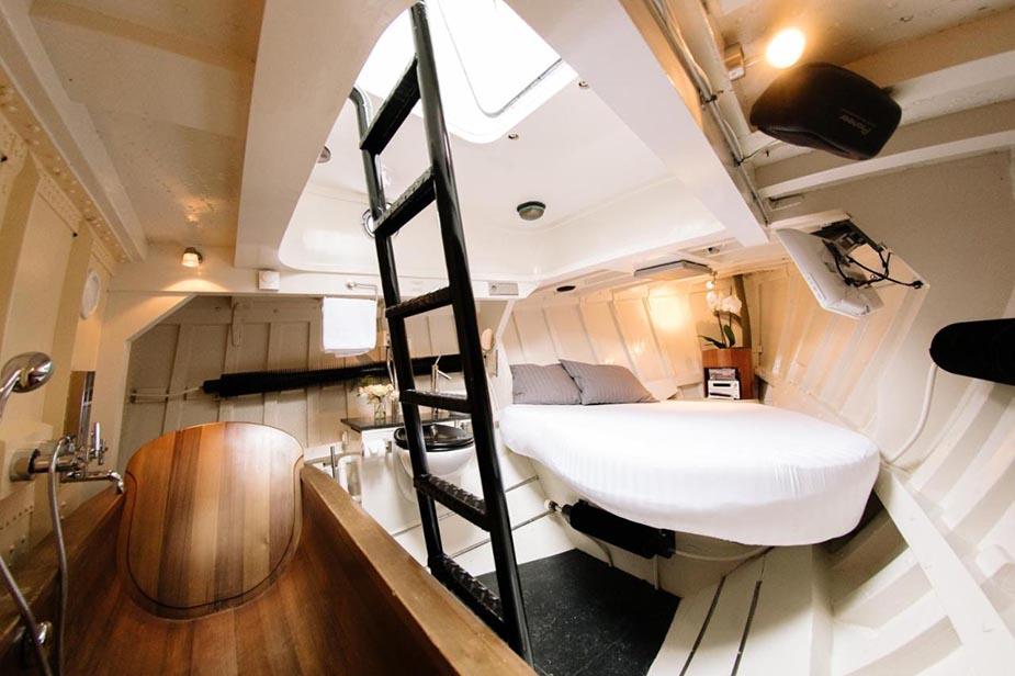 Reddingsboot Harlingen Boat bijzondere hotels nederland