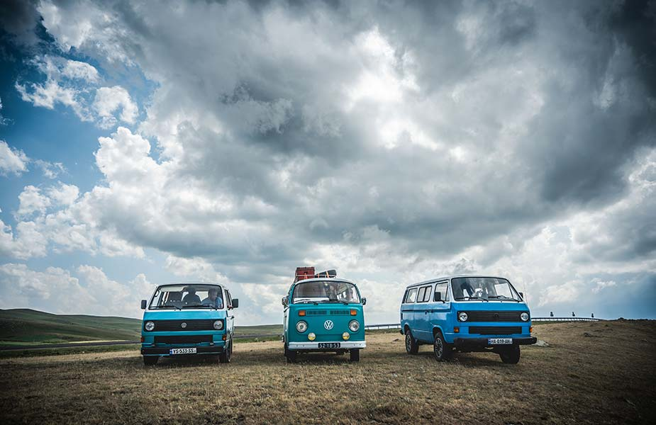 3 VW busjes naast elkaar