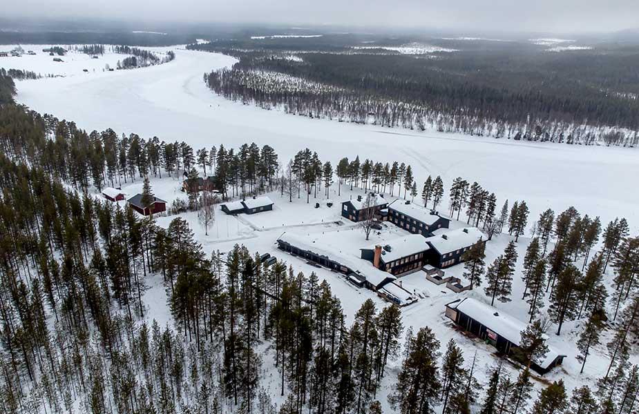 De Artic Lodge in Lapland vanuit de lucht gezien